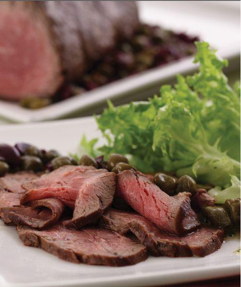 """Em """"5 Ingredientes em 15 Minutos"""", Edu Guedes reúne 60 receitas simples e rápidas para quem quer praticidade e sabor nas refeições. A edição traz capítulos dedicados a carnes, aves, peixes, massas e sobremesas."""