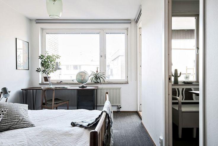 Bostadens sovrum är beläget lugnt mot föreningens stora gård. Karl Gustavsgatan 33 - Bjurfors