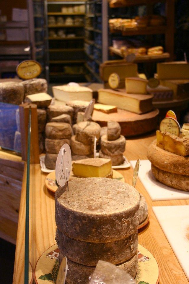 Thônes - Cheese from Thônes - Haute-Savoie dept. - Rhône-Alpes region, France