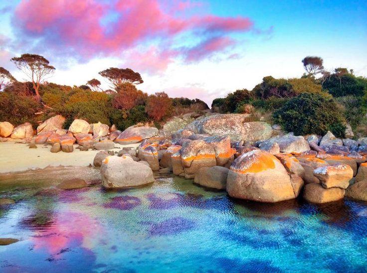 Binalong Bay - putting on a show. #binalongbay #tasmania #discovertasmania Image…