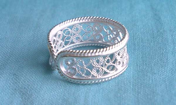 シンプルな銀線リング Filigree ring simple