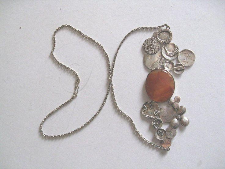 Amber met zilveren ketting. Iets ouds, iets nieuws van madebymirjam op DaWanda.com
