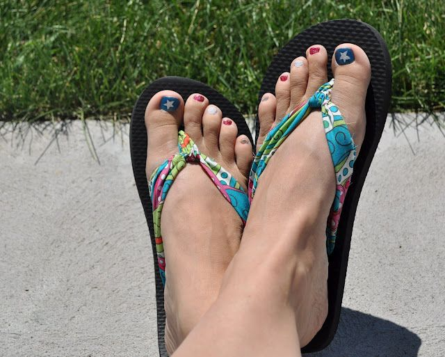 Fabric Flip-Flops! Remove the plastic from a cheapie pair of flip-flops and replace with cute fabric!