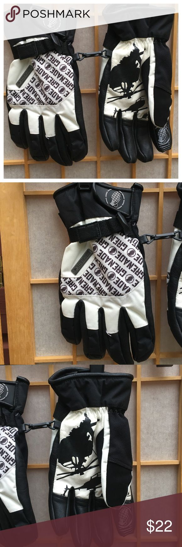 Grenade Cold Weather Snow Gloves SZ XL Black & White grenade snow gloves...adjustable band...velcro wrist closure...SZ XL...lovely used condition... Grenade Accessories Gloves