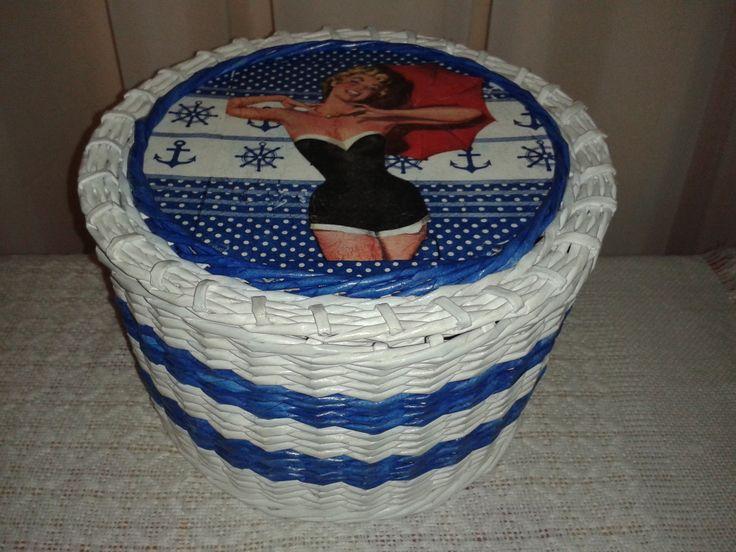 Kuferek z papierowej wikliny z Merline.  Więcej na: http://wyczekanemarzenia.blogspot.com