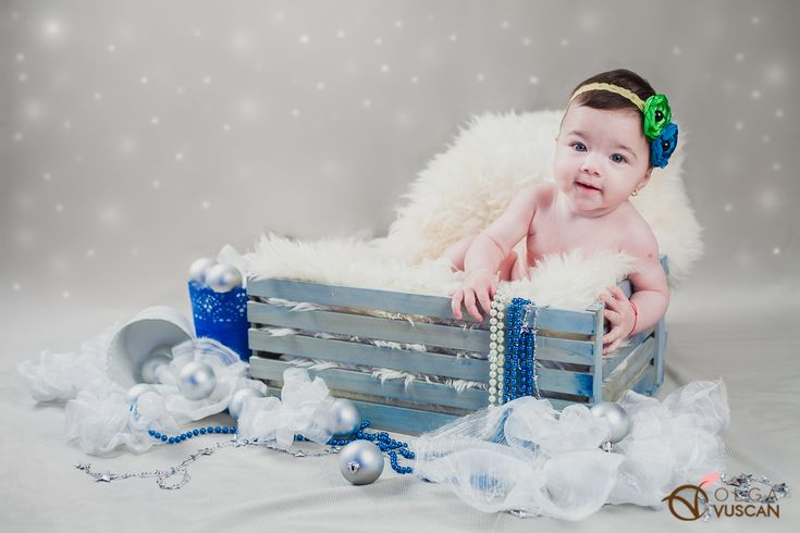 winter themed photo session for children_photographer Olga Vuscan