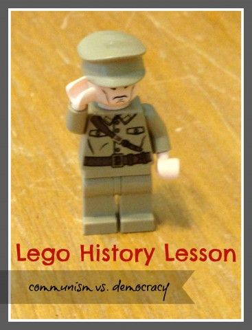 lego history lesson describing the differences between communism and democracy