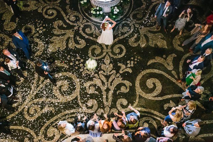 lancio bouquet sagrato matrimonio Villa Durazzo #villadurazzo #fotografomatrimonio #santamargherita