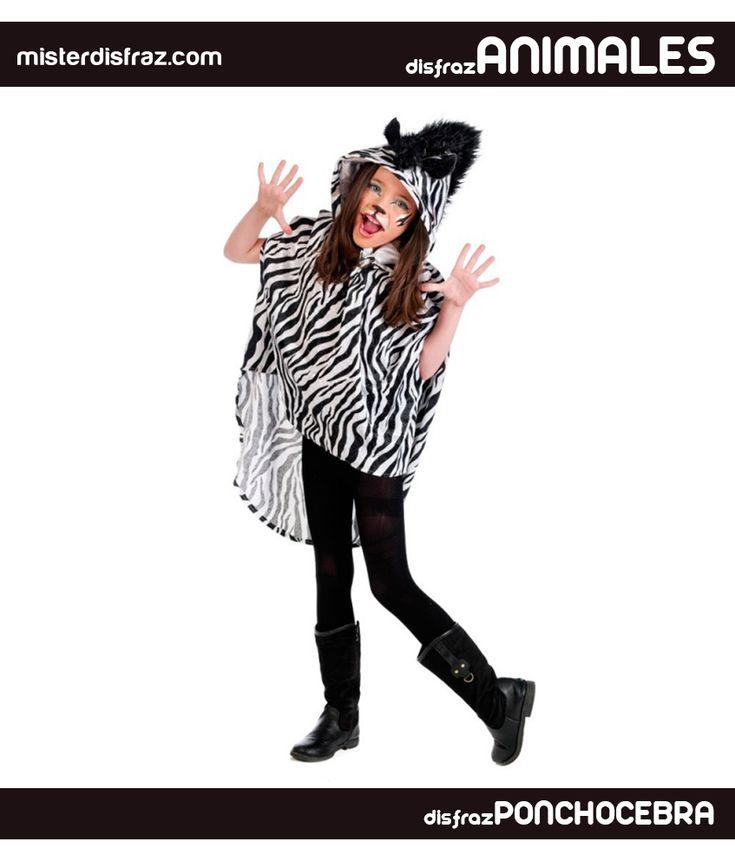 Disfraz de Poncho Cebra con capucha para niña. Un disfraz de cebra con el que las niñas disfrutarán del mundo animal. Si buscas un disfraz de animal muy cómodo para las niñas no te puedes perder nuestros ponchos con capucha en varios modelos. #disfrazdeanimal #disfrazesdeanimales #disfraz #animal #ponchocebraconcapucha #poncho #cebra #capucha