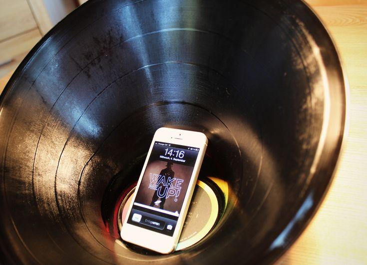 COOLES DESIGN MIT KÖPFCHEN - UPCYCLING - Handy-Verstärker handgemacht - Cell phone amplifier handmade - Vinyl Schallplatte - Vinyl record ...