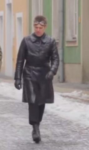 It's a long coat JP Jopling wears