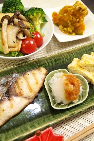 和食】さわらの塩焼き&「かぼちゃと鶏ひき肉の煮物」&三種のホット ...
