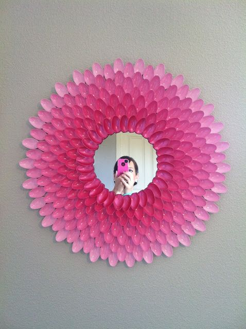 Spoon mirror with instructions!!!! Have to try and put in my room @Abbie Barnes Picciuto so freaking cute!!!! :):):)