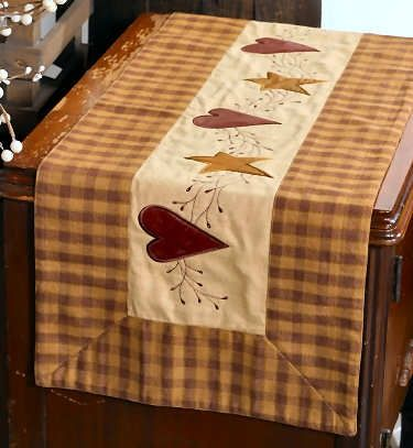 Prim Heart & Stars Table Runner. This Would Match My Placemates ♥