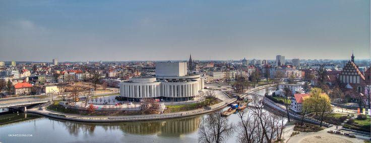 Panorama Bydgoszczy z drona z Operą Nova
