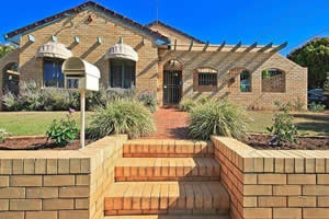 16 Lyrian Street, Manly West  Sold by Gail Gobey