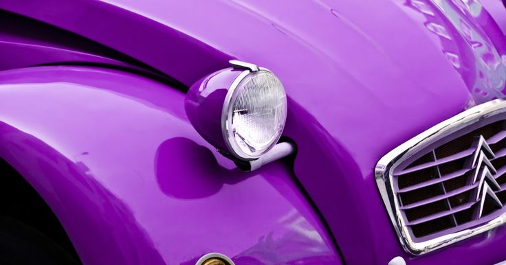 Cómo pintar con Duplicolor Paint Shop. El sistema Duplicolor Paint Shop te provee una amplia gama de imprimaciones y productos de renovación para producir trabajos profesionales de pintura estándar sin la necesidad de un costoso trabajo del taller de carrocería. Este sistema es bueno para todos los vehículos, y la pintura es fácil de aplicar y de secado rápido. Puede se puede pulir ...
