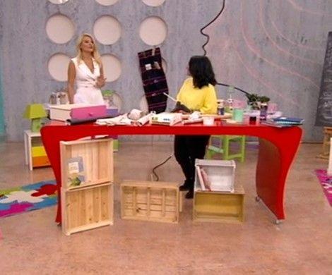 Η Εύα Τοπαλίδου δείχνει έξυπνους οικονομικούς και πανεύκολους τρόπους για να αλλάξετε το παιδικό δωμάτιο και  να το μετατρέψετε σε δωμάτιο μελέτης με υλικά που έχουμε στο σπίτι σας.