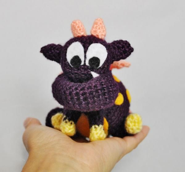 Vote for Larsky - The pokedot monster by Jennysita - http://www.amigurumipatterns.net/designcontest/vote/?id=992 - This is Larsky, we call him Lars for short, he loves to fly around eating flies and bumblebees. He snorts a lot and loves to smell flowers, especially honeysuckle.