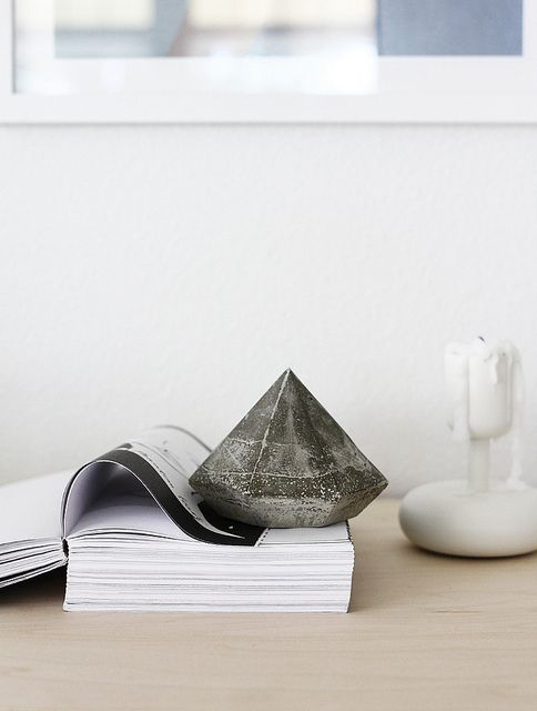 DIY: concrete diamond by AMM blog