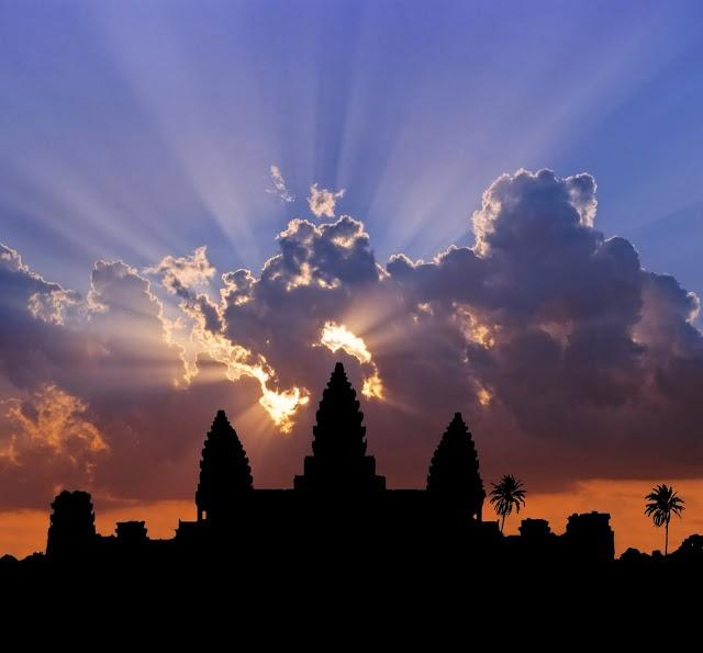 A voyage to Cambodia, Asia - Phnom Penh, Battambang, Siem Reap, Sihanoukville, Prey Veng, Kampong Cham, Ta Khmau, Pursat, Kampong Speu, Takéo...