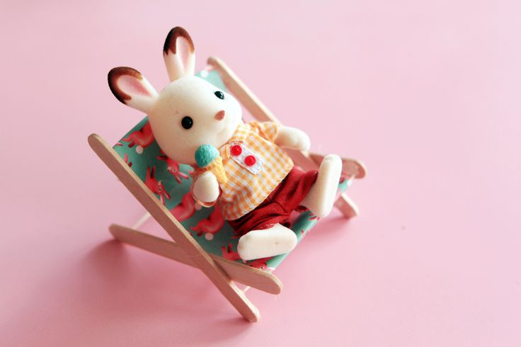lounge chair for Calico Critters