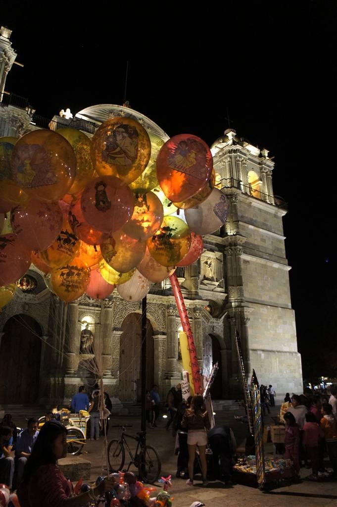 catedral de oaxaca,globos para carta a los reyes magos
