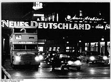 Berlin DDR 1964 Leuchtwerbung am Alexanderplatz
