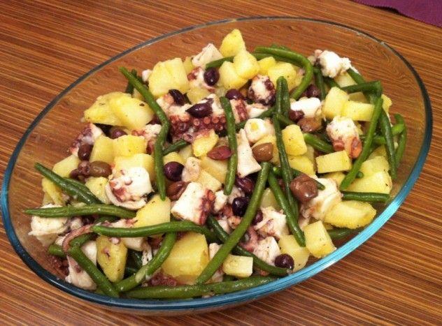 Insalata di polpo, fagiolini, patate e olive