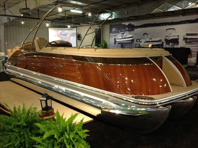 Wood grain bennington pontoon boat bennington pontoons for Pontoon boat without motor for sale