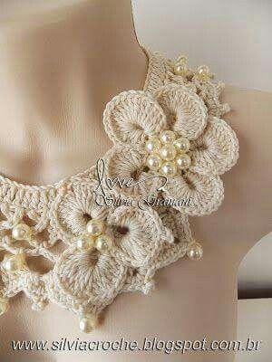 Collar flores y perlas