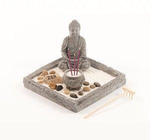 Zen-Garden Buddha