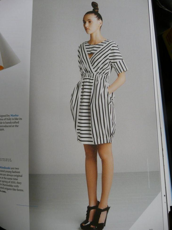 250 неправильно полосатых платьев (трафик, да)