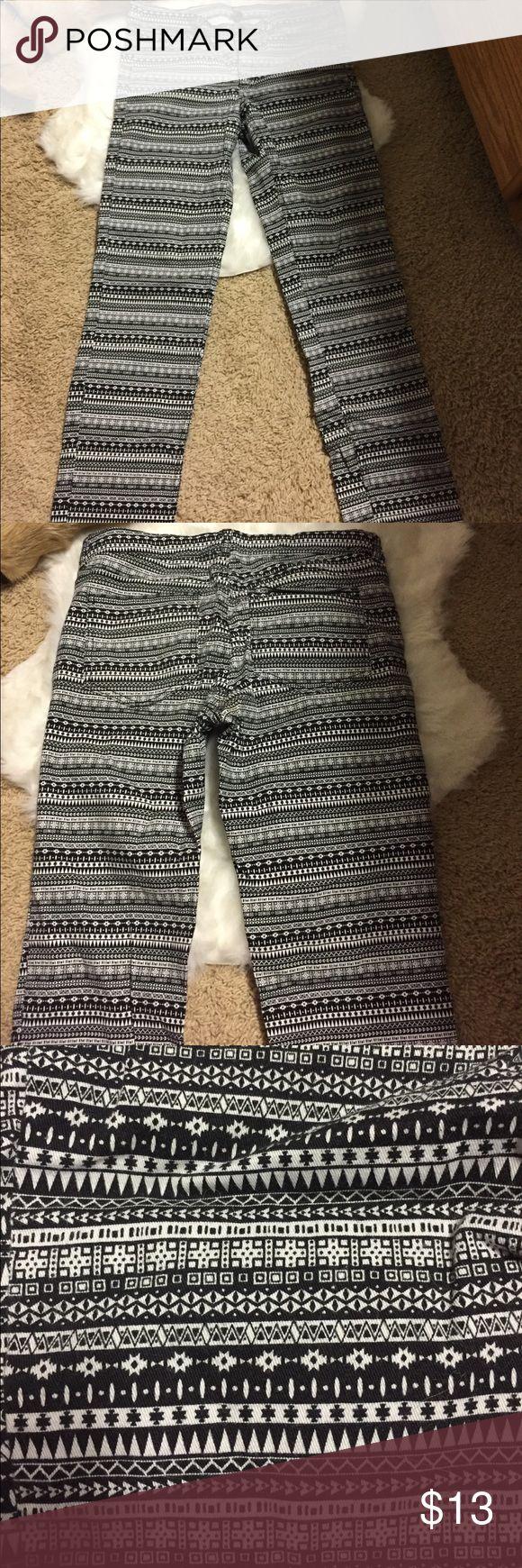 Aztec Print Pants Like new, fun, Aztec Pants Pants