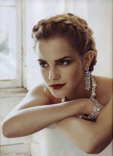 crown braid: Girls Crushes, Italian Vogue, Emma Watson Hair, Braids Updo, Emmawatson, Red Lips, Hair And Makeup, Wedding Hairstyles, Emma Love