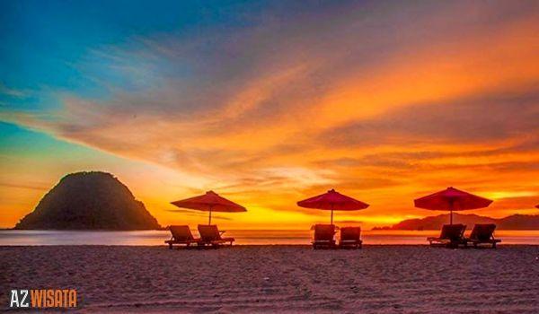 Destinasi Wisata Pantai Merah di Banyuwangi yang Seru untuk Liburan - AZWisata.com