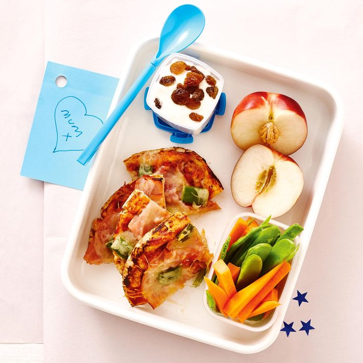 How to pack the perfect lunchbox for your kids - Ham Pizza + Snacks #Ham #Pizza #Snack #Lunch #Lunchobx #LunchboxIdeas #KidsLunch #FreshFoodKids