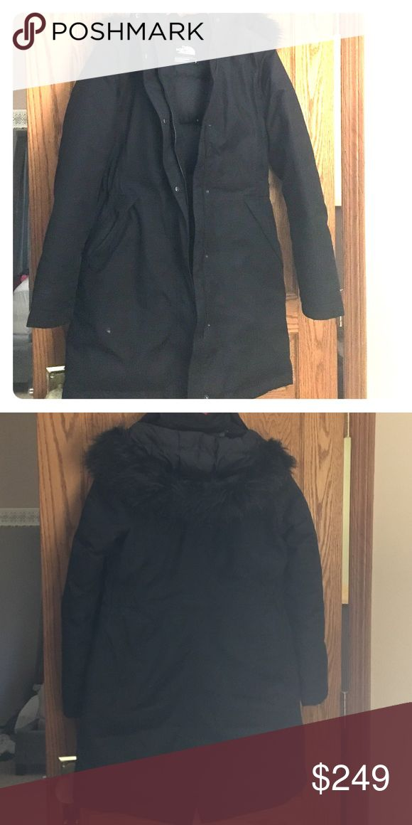Women's north face Arctic parka TNF all black, purchased last winter and got the…