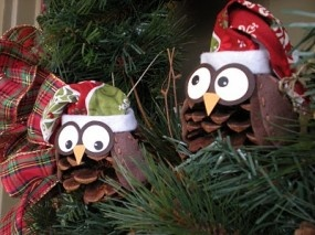 Owl Christmas ornaments. I will be making these this year :]