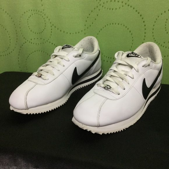 NIKE CORTEZ Basic Leather white/black . Mens 10.5 Men's 10.5 . TPU SWOOSH . CORTEZ '72 . Nike Shoes