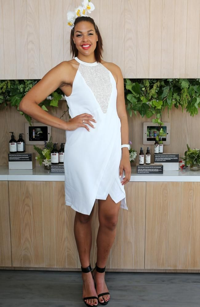Derby Day Social, Liz Cambage in a beautiful white floral fascinator