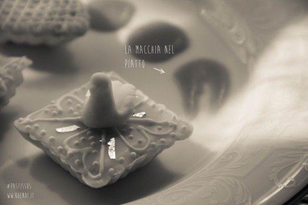 Dolci sardi: i pastissus al profumo di liquirizia | Koendi.it #dolcisardi #ricettesarde #sardegna #pastissus #koendi