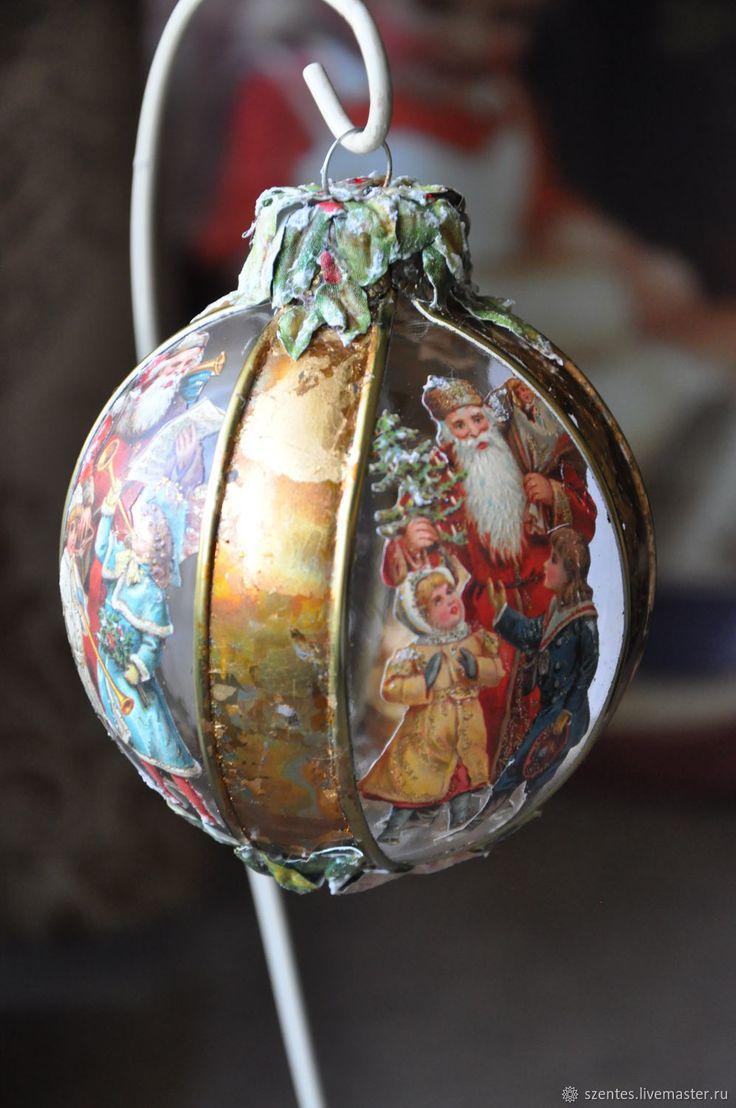 Купить Елочный шар ,,Викторианские деды морозы, в интернет магазине на Ярмарке Мастеров