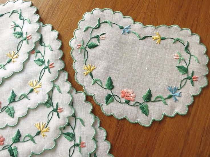 HEART SHAPED Vintage 6 Hand Embroidered Linen Cocktail Napkins Italian FLOWERS