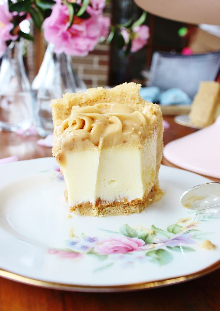 White chocolate and peanut butter cheesecake
