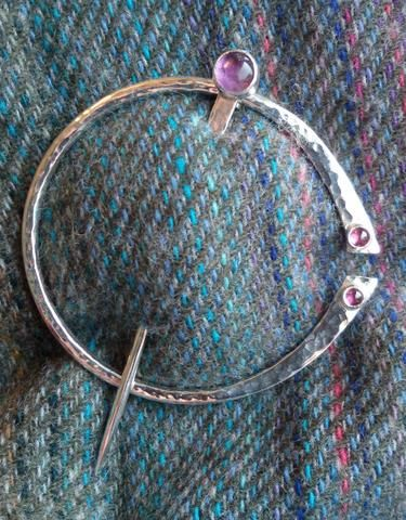 1486 Hammered Traditional Penannular Pin With Amethyst And Garnet