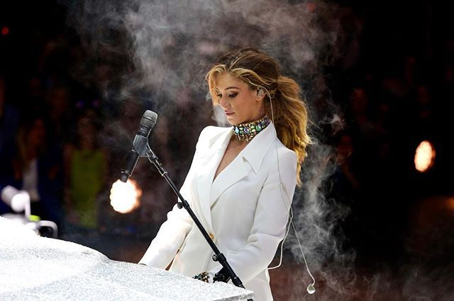 Qudos Bank Arena, Sydney 28/10/16  Ending the show in my custom choker by @houseemmanuele and white suit by my fave who has been a huge part of this chapter with me feeling like my clothes are an extension of me thanks @carlazampatti xx