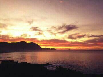 The sky is on fire this morning! How blessed are we to live in #Hermanus #DiscoverOverberg