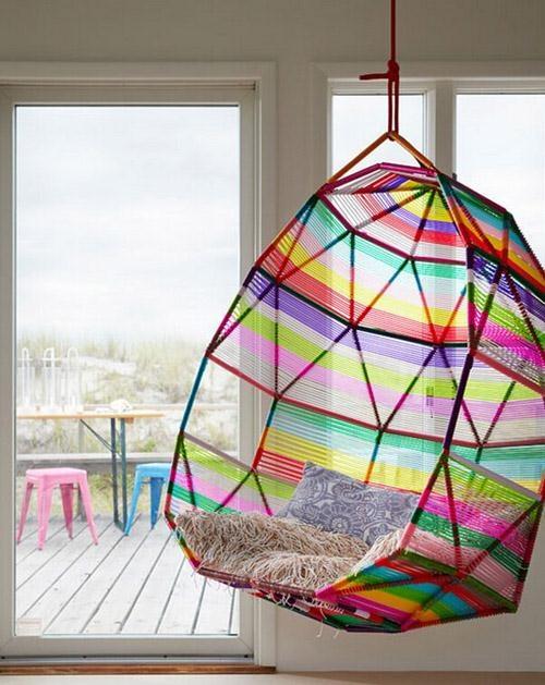 fauteuil suspendu / géométrie arc en ciel . rainbow