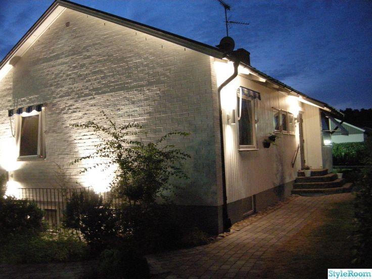 I våras bestämde vi oss för att måla om vårt hus. Laxrosa trä och rött tegel skulle bort och ersättas av vitt och gråa detaljer.